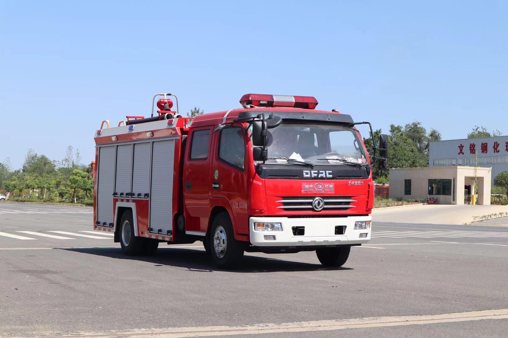 8台东风多利卡水罐消防车交付江西赣州消防队