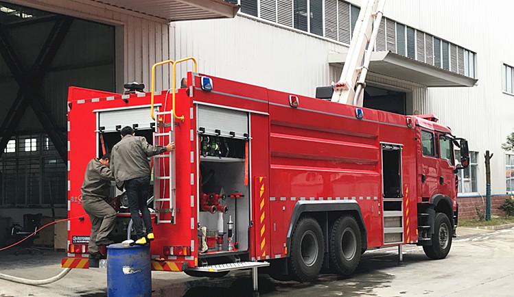 重汽18米举高喷射消防车操作视频【射程实拍100米】
