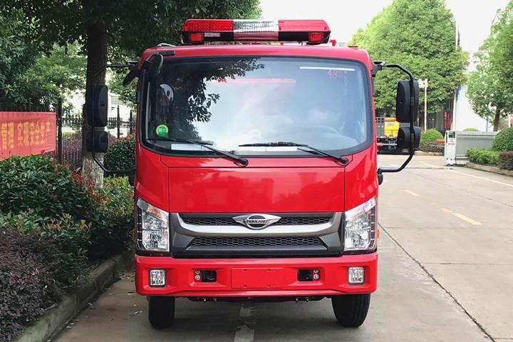 福田小型2.5吨水罐消防车图片参数与最新报价